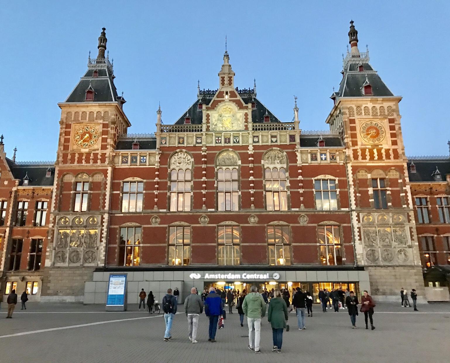 オランダ アムステルダム 駅